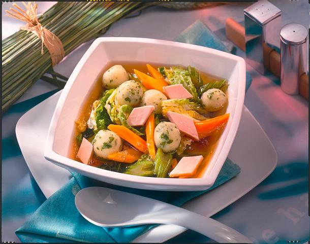 Gemüsesuppe mit Knödeln Rezept