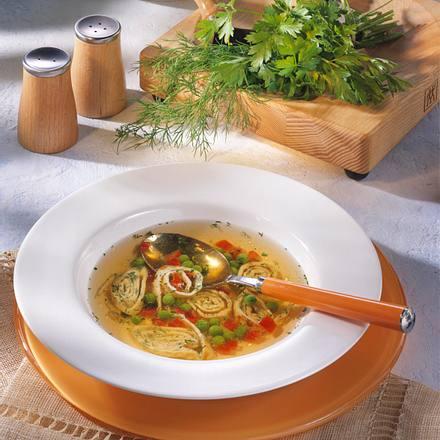 Gemüsesuppe mit Kräuterflädle Rezept