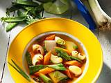 Gemüsesuppe mit Nudeln Rezept