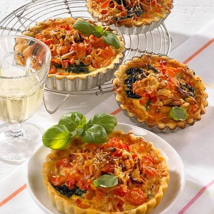 Gemüsetörtchen mit Pinienkernen Rezept
