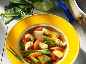 Gemüsetopf mit Nudeln Rezept