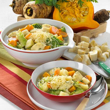 Gemüsetopf mit Pastinaken und Grießklößchen Rezept