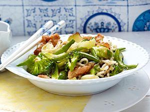 Gemüsewok mit Hähnchenfilet Rezept