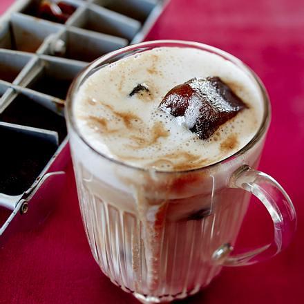 German Eiskaffee mit Mandelmilch Rezept
