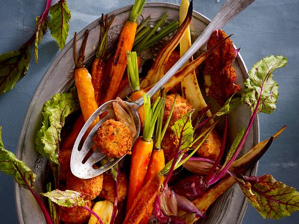 Gerösteter Wintergemüse-Salat mit Flusskrebsbällchen Rezept