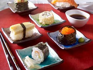Gerollte Sesam-Sushi (Inside-out) Rezept