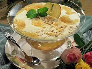 Geschichtete Apfel-Vanille-Speise Rezept
