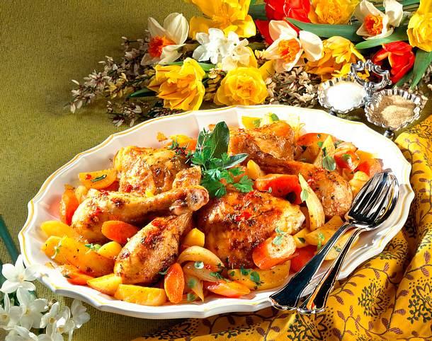 Geschmorte Hähnchenkeulen mit Gemüse Rezept