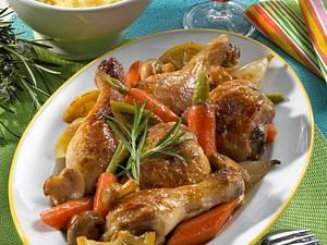 Geschmorte Hähnchenkeulen mit Möhren, Porree und Champigons Rezept