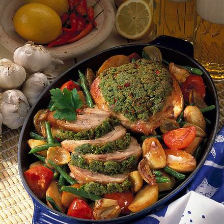 Geschmorte Putenoberkeule mit buntem Gemüse Rezept
