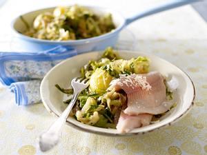 Geschmorter Spitzkohl mit Kartoffeln, Meerrettich und Forellenfilets Rezept