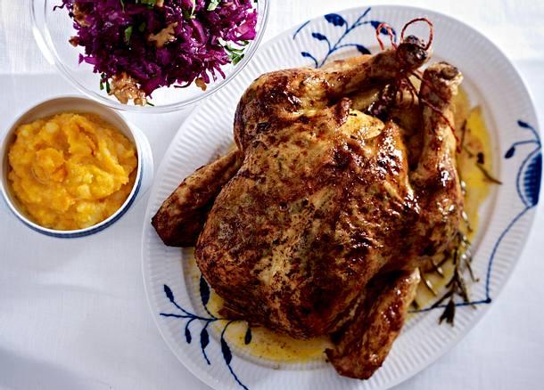 Geschmortes Brathuhn mit Kürbisstampf und Rotkohlsalat Rezept