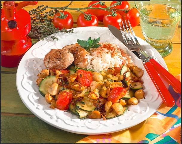 Geschmortes Gemüse mit Schweinemedaillons Rezept