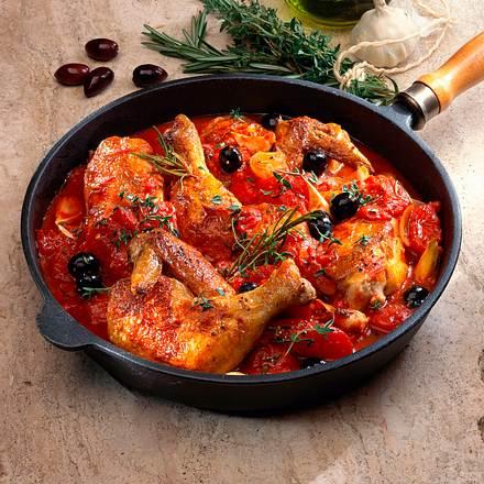 Geschmortes Hähnchen in würziger Tomatensoße Rezept