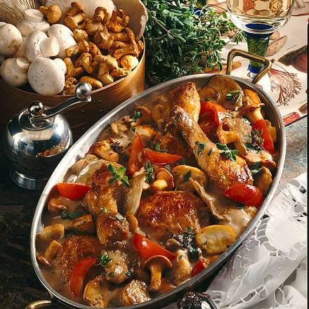 Geschmortes Hähnchen mit gemischten Pilzen Rezept