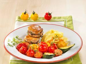 Geschmortes Tomaten-Zucchini-Gemüse zu Filet Rezept
