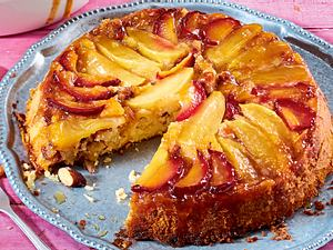 """Gestürzter Gâteau """"pomme et prune"""" Rezept"""