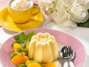 Gestürzter Schmandpudding mit Mandarinen und Kiwi Rezept
