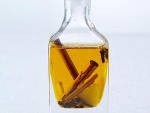 Gewürzöl mit Zimtstange, Nelken und Ingwer (4 mal anders) Rezept