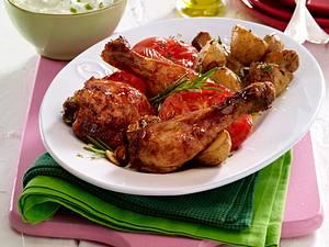 Glasierte Hähnchenkeulen mit Rosmarin-Kartoffeln Rezept