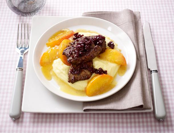Glasierte Pfirsiche mit gebratener Kalbsleber (Johann Lafer für tina) Rezept
