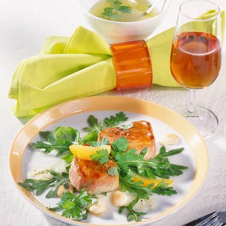 Glasierte Schweinemadaillons auf Kräutersalat Rezept