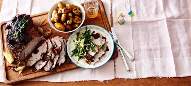 Glasierter Asiaschweinebraten mit Bohnen und Senfkartoffeln Rezept