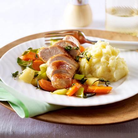 Glasiertes Suppengemüse zu Sellerie-Kartoffel-Püree und kross gebratenem Hähnchenfilet Rezept