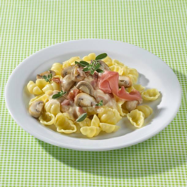 Gnocchi mit Champignon-Parmaschinkensoße Rezept