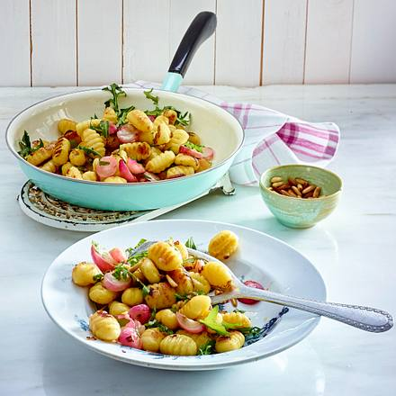 Gnocchi mit Radieschen und Rucol Rezept