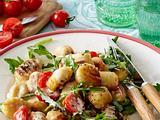 Gnocchi mit Tomaten-Käsesoße und Rucola Rezept