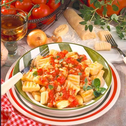 Gnocchi mit Tomatensugo Rezept