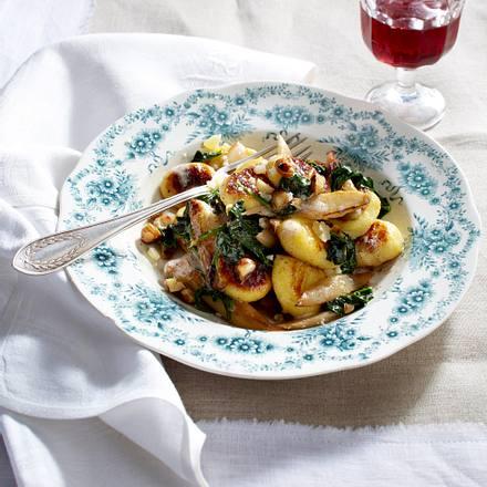 Gnocchi mit weißem Spargel und Spinat Rezept