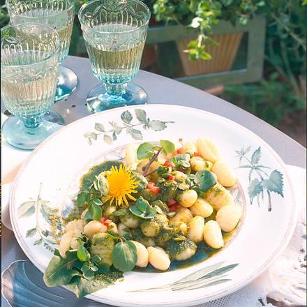 Gnocchi mit Wildkräuter-Pesto Rezept