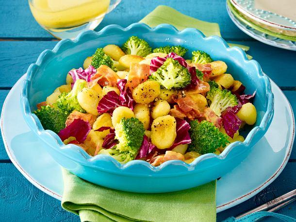 Gnocchisalat mit Speck und Brokkoli Rezept