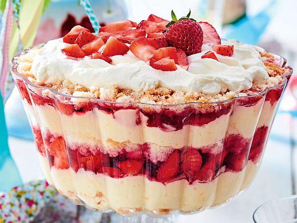 Götterschichtspeise mit Erdbeeren Rezept
