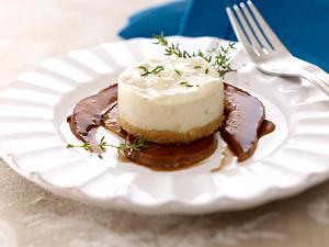 Gorgonzola-Törtchen mit Balsamico-Birnen Rezept