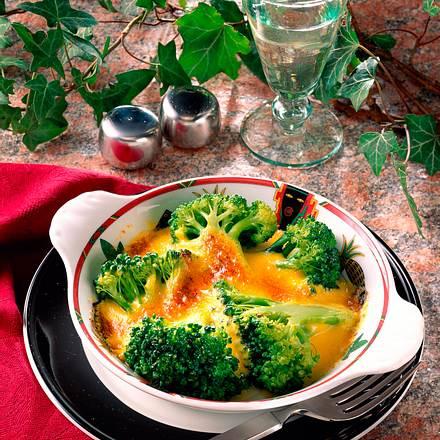 Gratinierter Broccoli mit Safran-Hollandaise Rezept