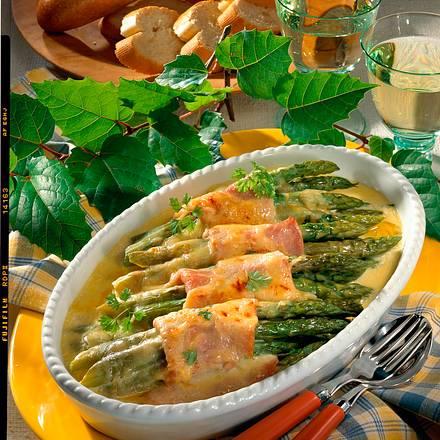 Gratinierter grüner Spargel mit Kasseler Rezept