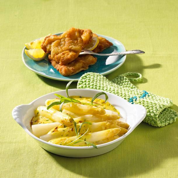 Gratinierter Spargel mit Kräuter-Hollandaise und panierten Mini-Schnitzel Rezept