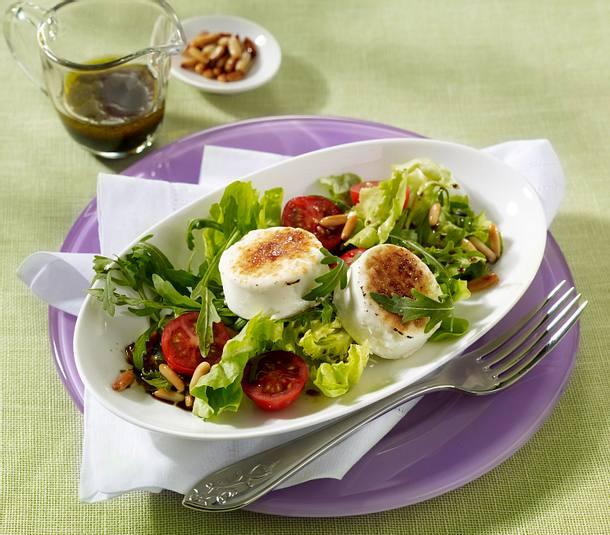 Gratinierter Ziegenkäse auf Frühlingssalat Rezept