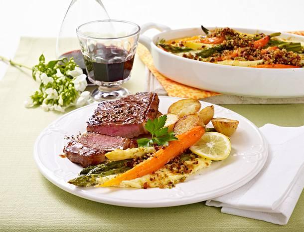 Gratiniertes Gemüse unter Crème fraîche-Parmesan-Haube zu Rumpsteak Rezept