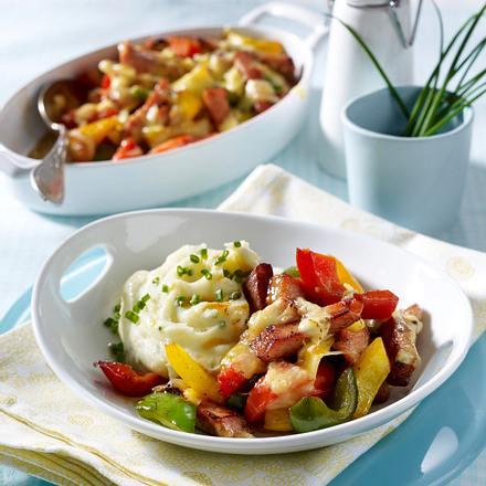 Gratiniertes Kasseler-Paprika-Geschnetzeltes zu Kartoffelpüree Rezept