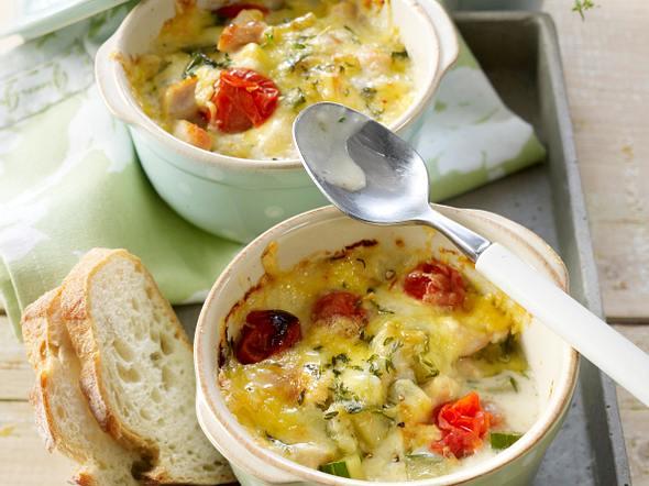 Gratiniertes Schmorgurken-Hähnchen-Ragout mit Tomaten Rezept