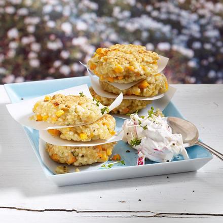 Graupen-Gemüsebulette mit Möhren und Radieschen-Dip Rezept