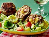 Griechischer Kartoffelsalat mit Feta-Frikadellen Rezept