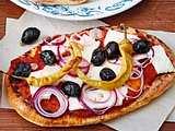 Griechisches Pizza-Naan-Brot Rezept
