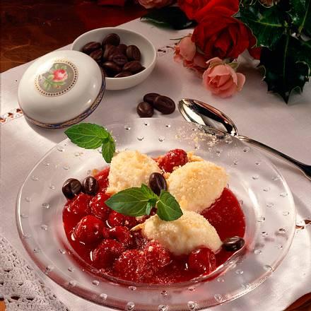 Grießklößchen mit Kirschkompott Rezept