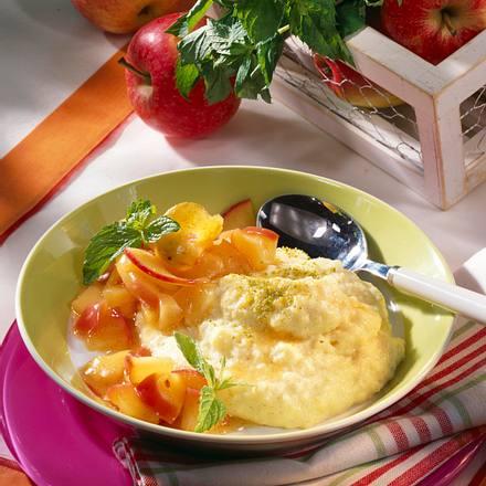 Grießschaum mit Apfel-Kompott Rezept