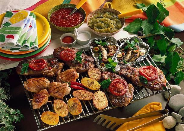 Grillen mit Fleisch, Fisch und Gemüse Rezept